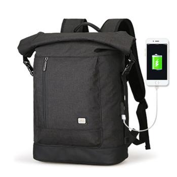 Удобный черный рюкзак Clever с USB class=