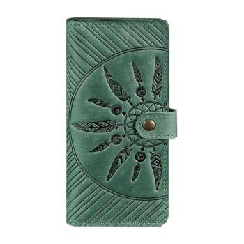Кожаное портмоне с узором ручной работы зеленого цвета class=