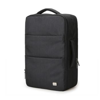 Вместительный рюкзак с USB для зарядки смартфона черный class=
